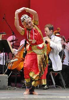Dancer Manasi Lariviere of Nupur Jhankar with WSO